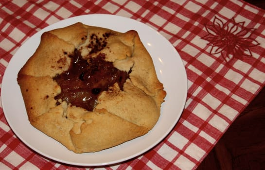 Easy Apple Pie at The Happy Housewife