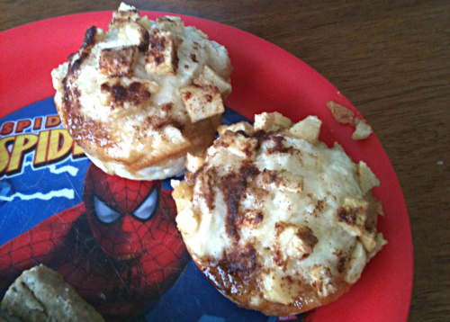 Brown Sugar Cinnamon Apple Muffins