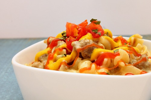 There's nothing better on a busy weeknight than dinner on the table in 30 minutes. That's what makes this Cheeseburger Pasta dish the perfect supper for your hungry family.