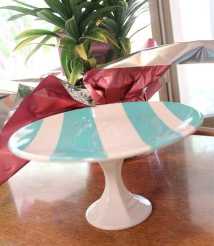 Diy cake stand the happy housewife home management for Plate cake stand diy
