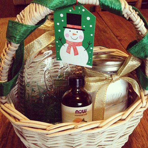 "Home Gift Basket Ideas: ""Green"" Christmas Basket"