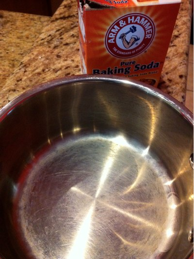 using arm hammer baking soda to clean pots and pans the happy housewife home management. Black Bedroom Furniture Sets. Home Design Ideas