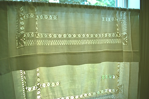 Cafe Curtains from Vintage Linens - The Happy Housewife™ :: Home ...