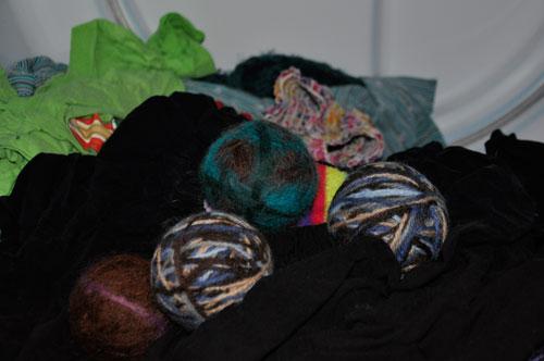 Felted Dryer Balls @ponderthepath