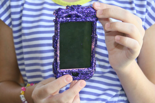 How to Bling an Otterbox  | The Happy Housewife