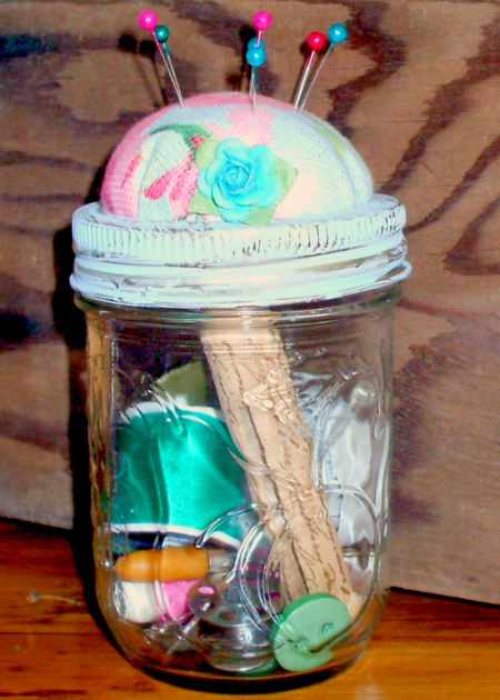 Homemade Sewing Kit in a Jar - 100 Days of Homemade Christmas Gifts at The Happy Housewife
