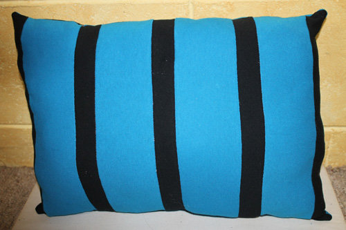 16 DIY Upcycled T-Shirt Projects (Pillow)| The Happy Housewife