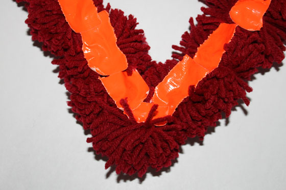 Pom-Pom Heart Wreath (Back) | The Happy Housewife