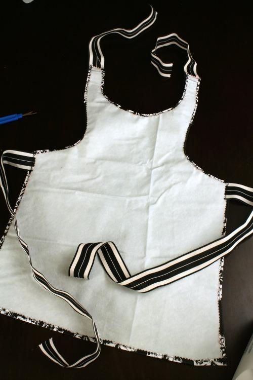 Easy Sew Kids Waterproof Art Smock (Step 6) at The Happy Housewife