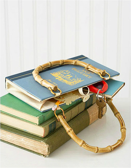 Book Cover Clutch from DIY Enthusiasts - 100 Days of Homemade Christmas Gifts at The Happy Housewife