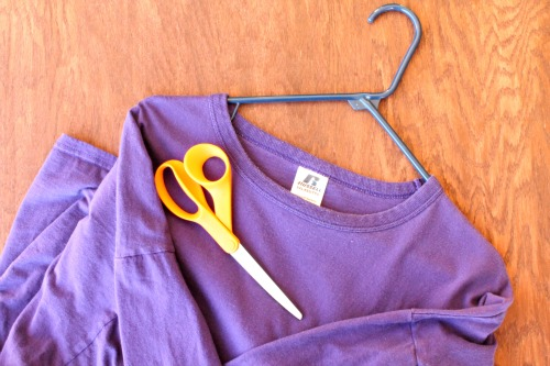 No-Sew Infinity Scarf (supplies) at The Happy Housewife