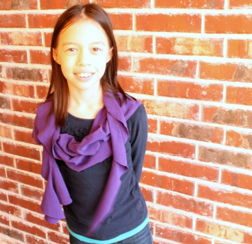 No-Sew Infinity Scarf at The Happy Housewife