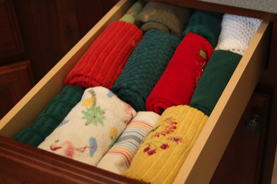 9 Organizing Ideas - Kitchen Towels