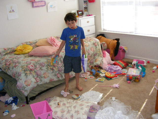 Kid Cleaning His Room Images