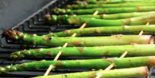 Grilled Asparagus at The Happy Housewife