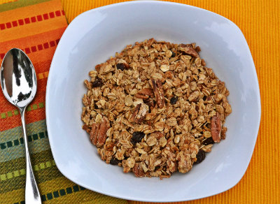 Homemade Pumpkin Spice Granola at The Happy Housewife