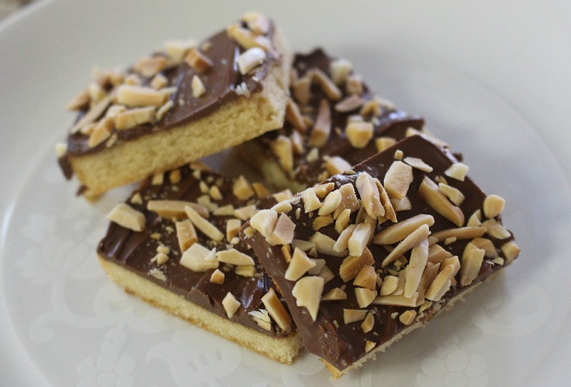 Homemade Toffee Bars Recipe | The Happy Housewife