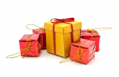 3 Ways to Have a Frugal Christmas - The Happy Housewife™ :: Frugal ...