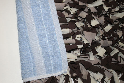 Upcycled T-shirt Rug Tutorial - The Happy Housewife™ :: Home