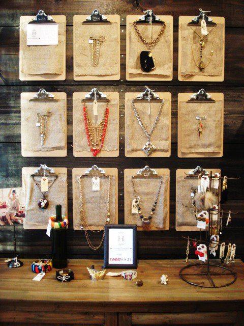Creative ways to organize jewelry the happy housewife home management - Clever diy ways keep jewelry organized ...