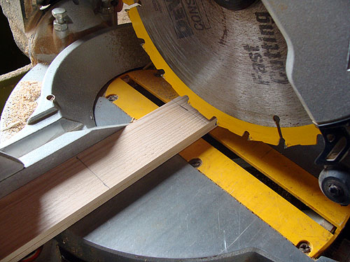 how to cut wood lattice