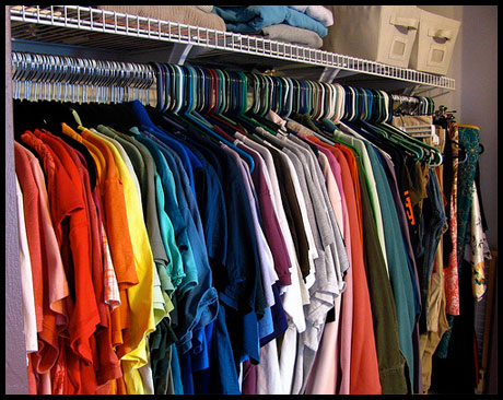 5 Steps to Sorting Through Your Wardrobe | The Happy Housewife