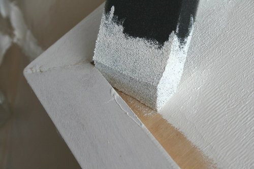 Easy way to paint corners on kitchen cabinet