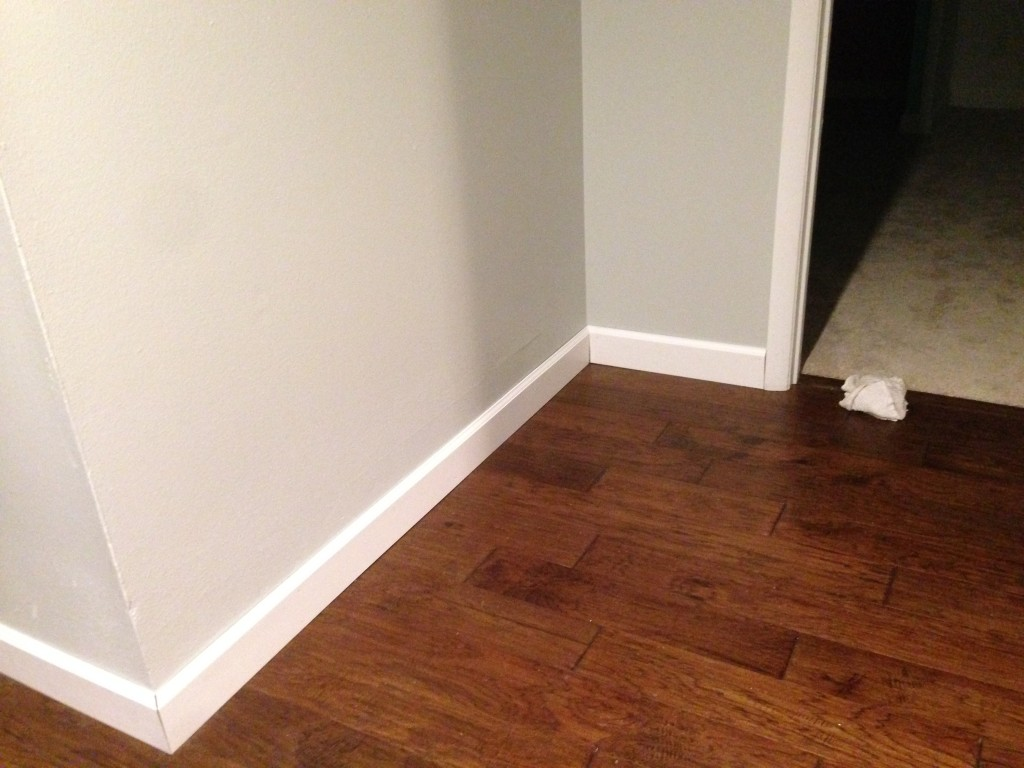 I Started Installing The Trim Everywhere That Has Hardwood Floors This Is Actually Much Easier Than Bedrooms Because There Are Few Corner Cutore