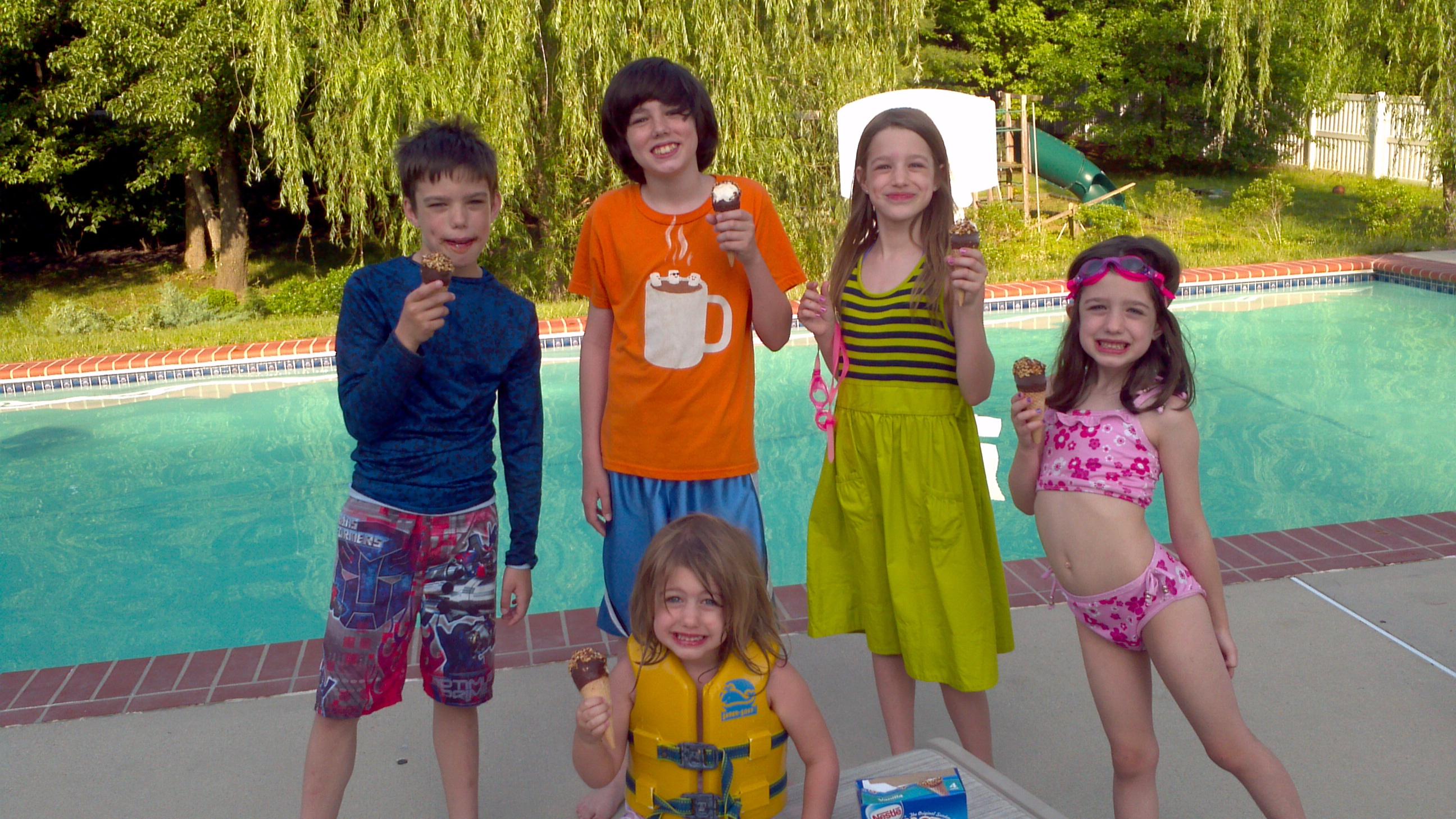 Swimming Pool Fun Stuff : Pool fun raiseacone the happy housewife™ real life